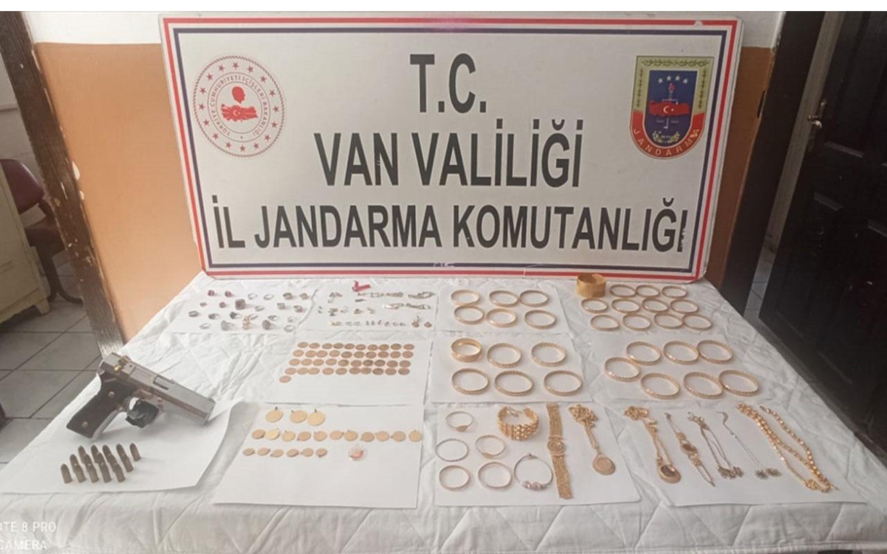 Hepsini İstanbul'da bir evden çaldılar! 1,5 milyon liralık altın ve ziynet eşyası Van'da bulundu