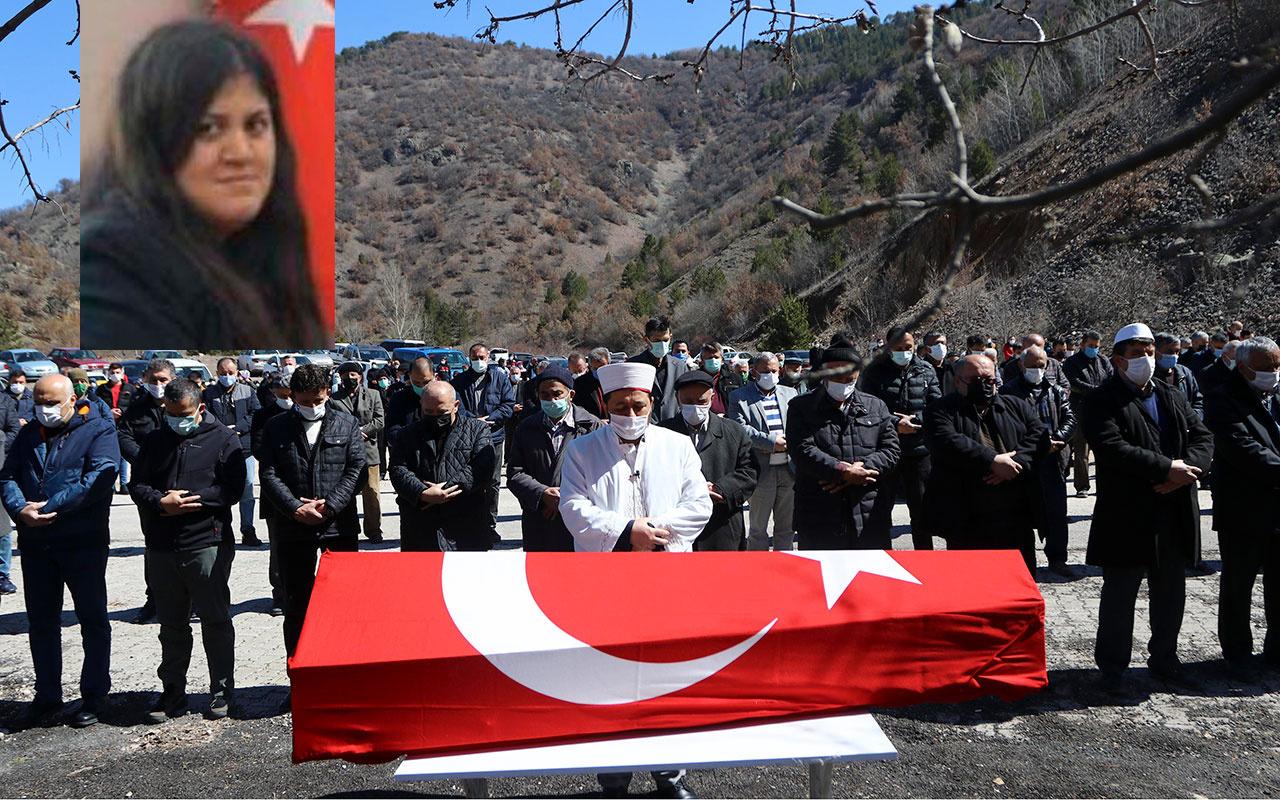 Yozgat'ta doğum günü kutlamasında başından vurularak ölen savcı toprağa verildi