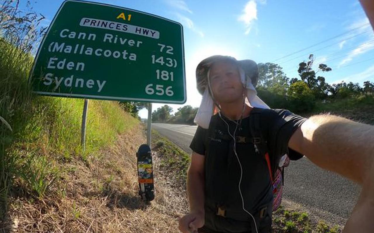 Avustralya'da salgına aldırış etmedi! Kaykayla kilometrelerce yol gitti