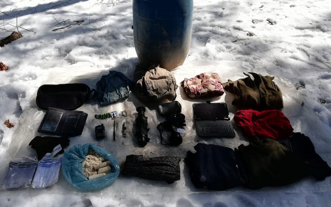 Bir darbe daha! PKK'lı teröristlerce kullanılan sığınakta termal kamera ele geçirildi