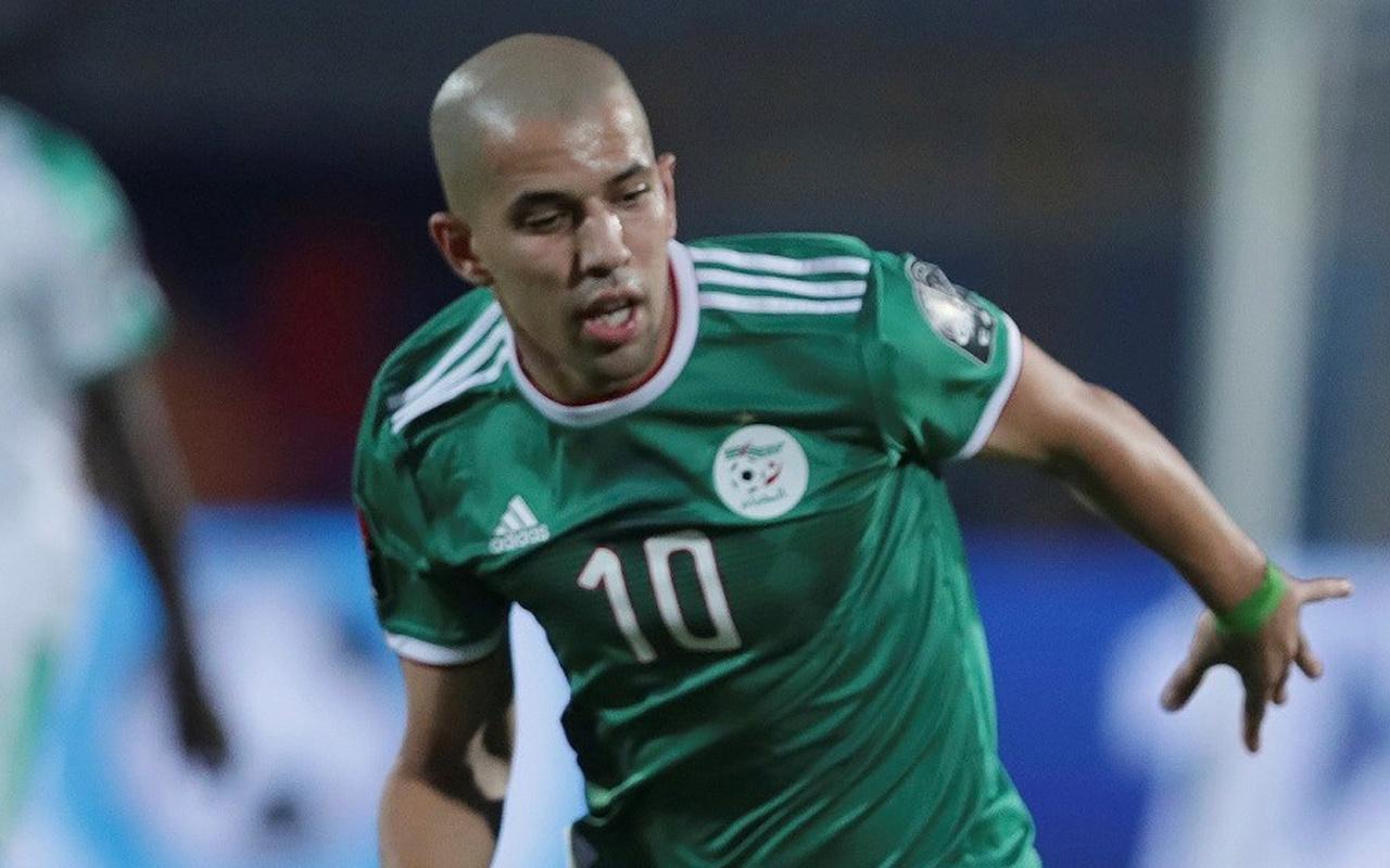 Cezayir'den yarım deste gol! Feghouli maçı boş geçmedi