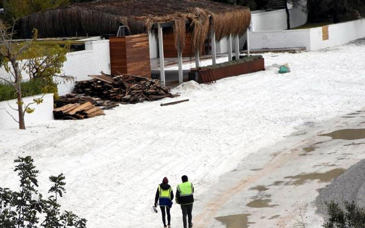 5 yıldızlı otele ceza yağmıştı! Bodrum'da plaja dökülen kuvars tozu kaldırılmaya başlandı