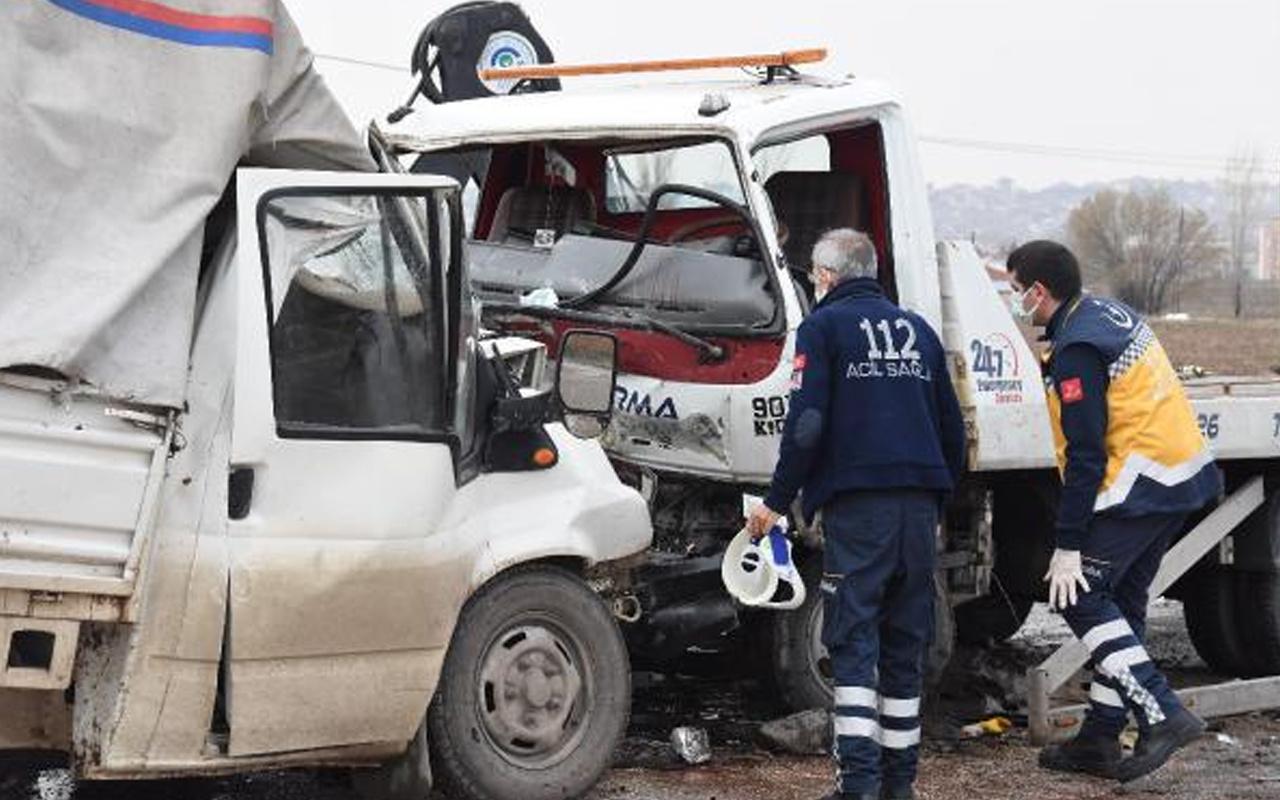Eskişehir'de hatalı sollama yapan sürücü canından oldu 5 kişi yaralandı