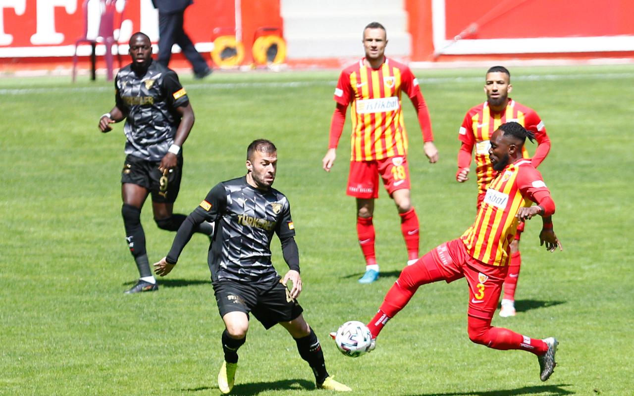Kayserispor-Göztepe maçında gülen yok