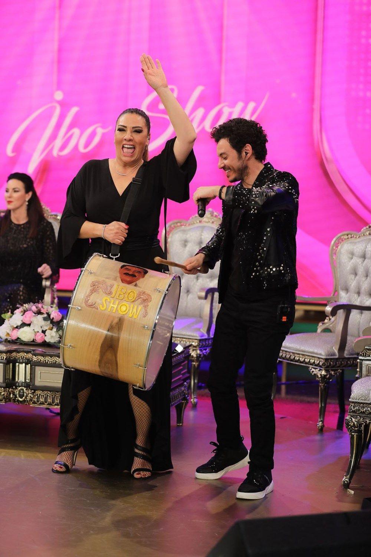 İbrahim Tatlıses ağladı İbo Show'da Işın Karaca Defne Samyeli alay konusu oldu