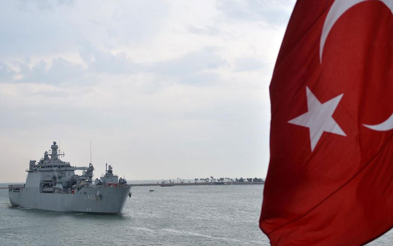 Muhalefet darbe özlemcisi emekli amirallerin yanında saf tuttu! CHP'den İYİ Parti'ye, HDP'den DP'ye...