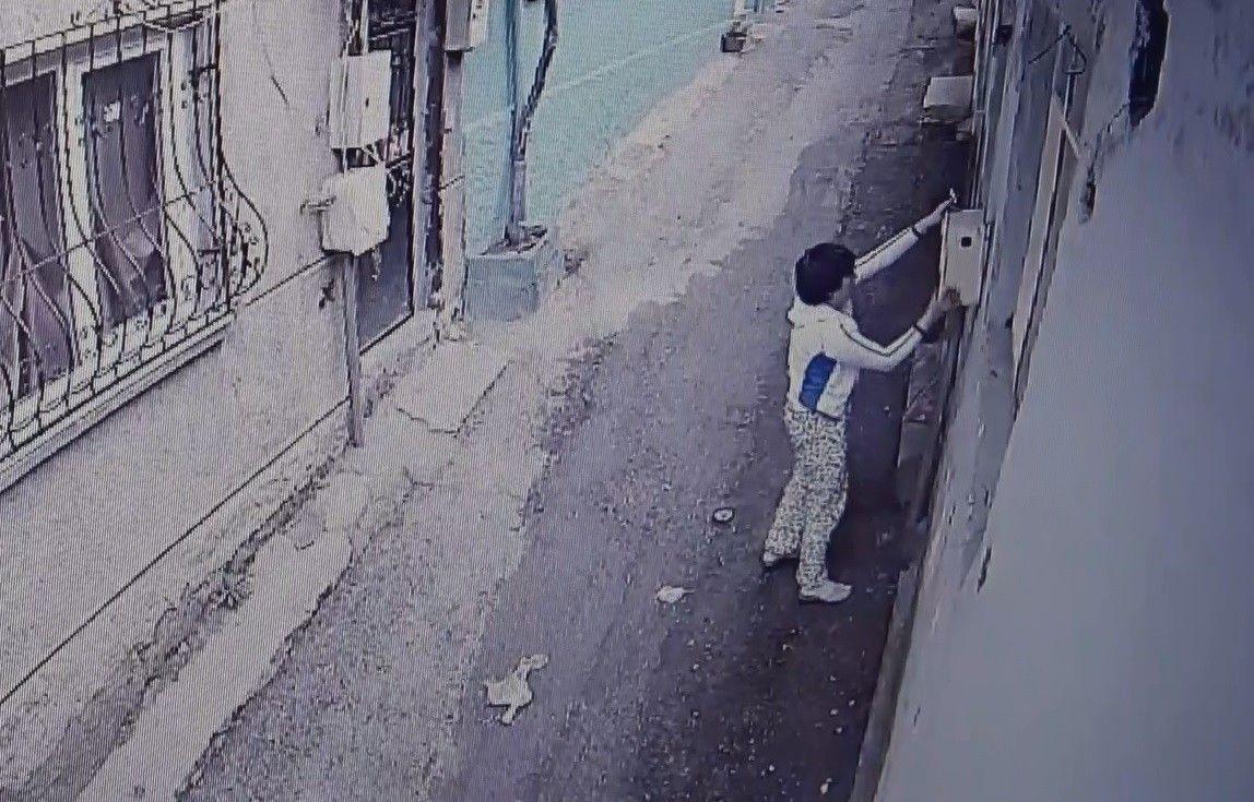 Bursa belalısı kadın! Bu sefer de köpeğimi çaldı diye motosiklet sürücüsünü dövdü