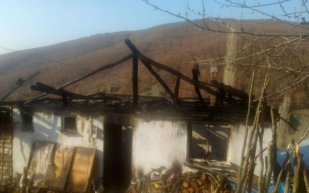 Çorum'da ev yangını: Yaşlı karı-koca hayatını kaybetti