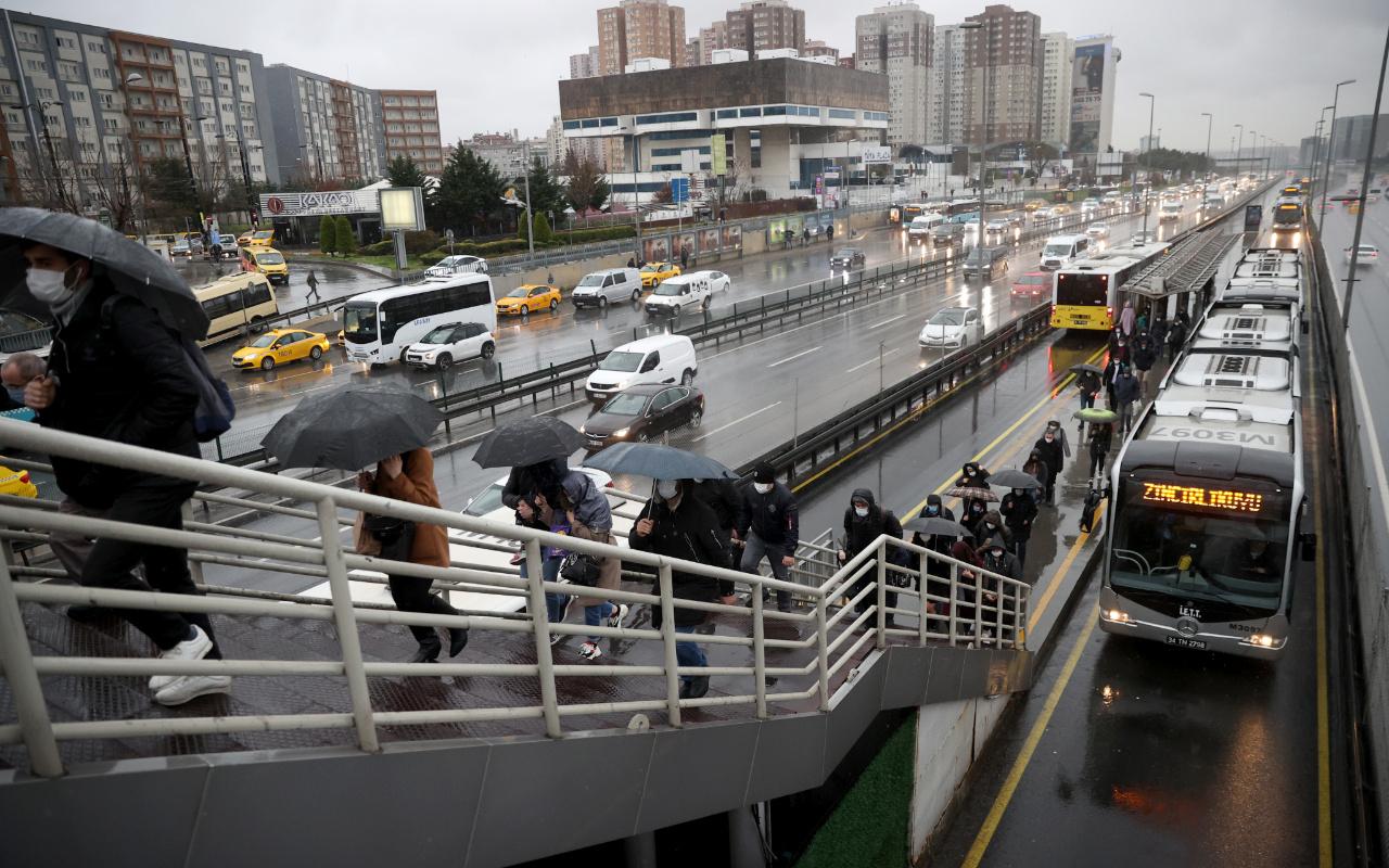 İstanbul'da kısıtlama sona erdi! Trafik yoğunluğu arttı