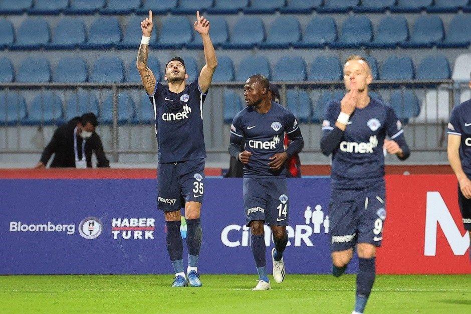 Kasımpaşa-Beşiktaş maçı sonrası olay sözler: Halil Umut Meler operasyona gelmiş