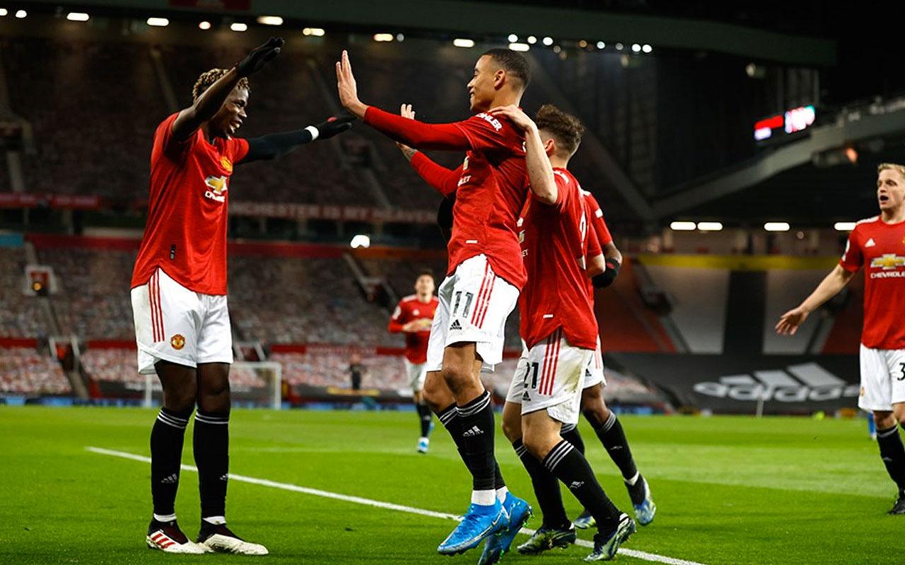 Manchester United'ı gençler ayakta tuttu