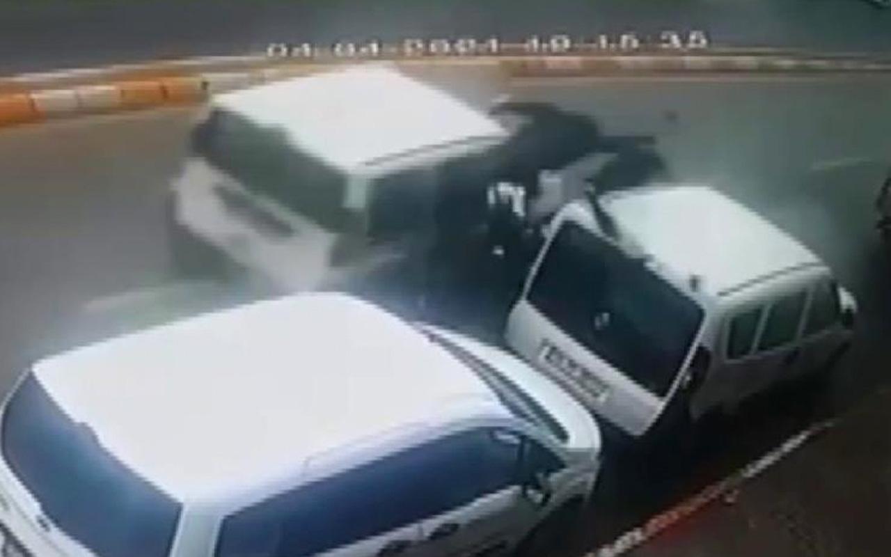 İstanbul'da motosikletli sürücünün feci ölümü kamerada