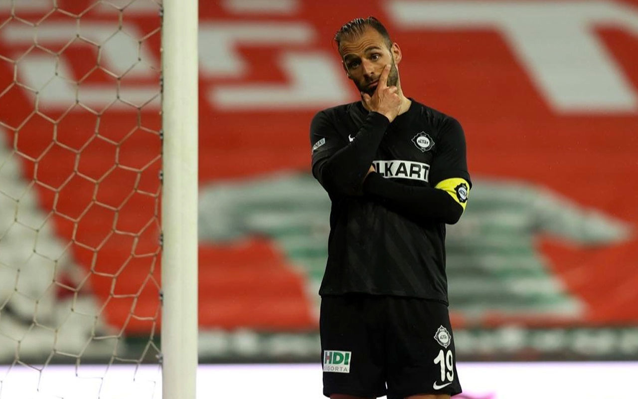 Altay deplasmanda Bursaspor'u 3 golle devirdi
