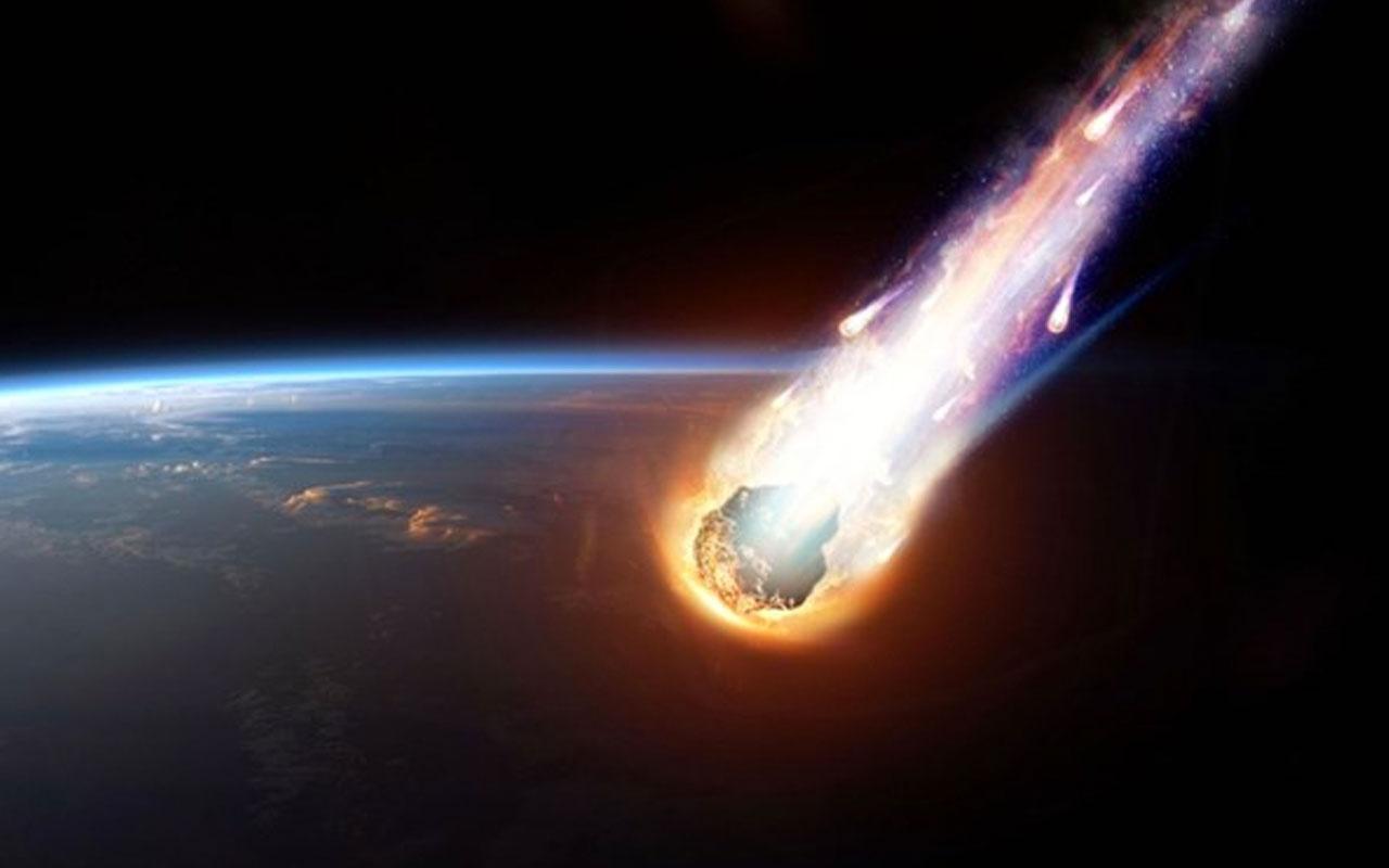 Futbol sahası büyüklüğünde asteroit dünyaya yaklaşıyor