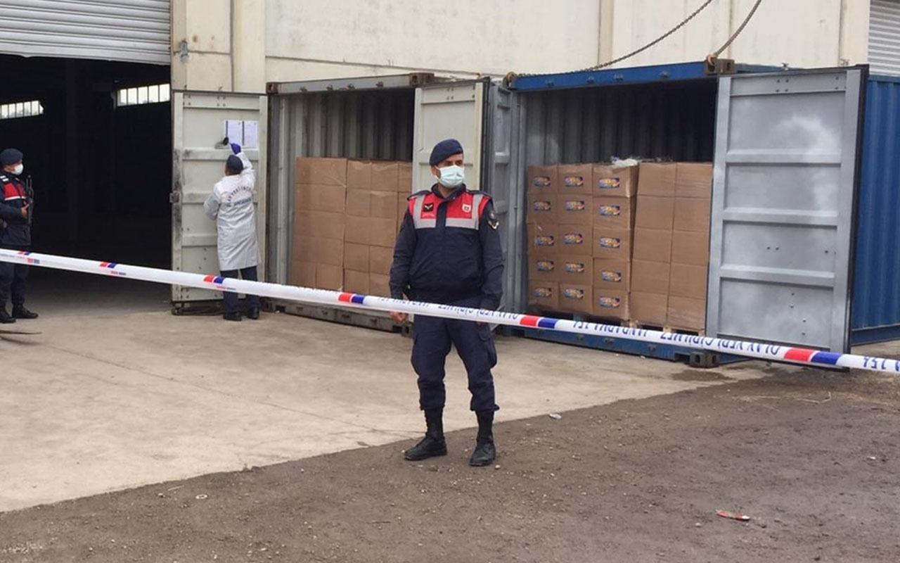 İzmir'de 3 konteynerden yasa dışı geçiş için bekletilen 100'e yakın sığınmacı çıktı