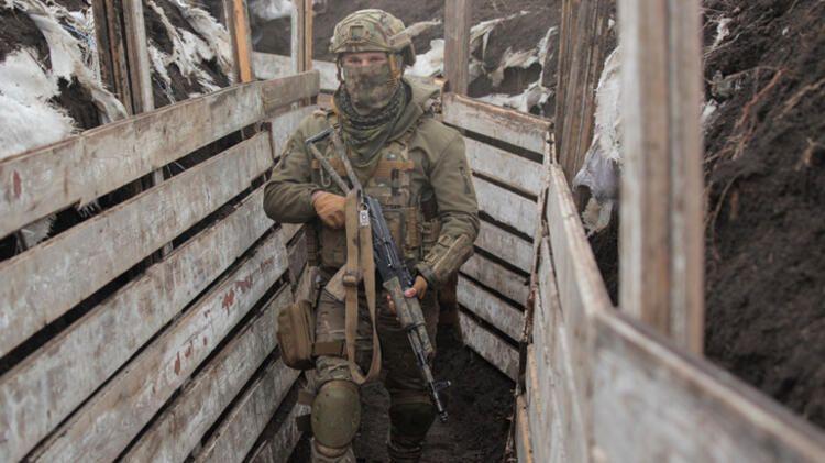 Ukrayna-Rusya arasında savaş sesleri! Yay gibi gerilen cephe hattından ilk fotoğraflar