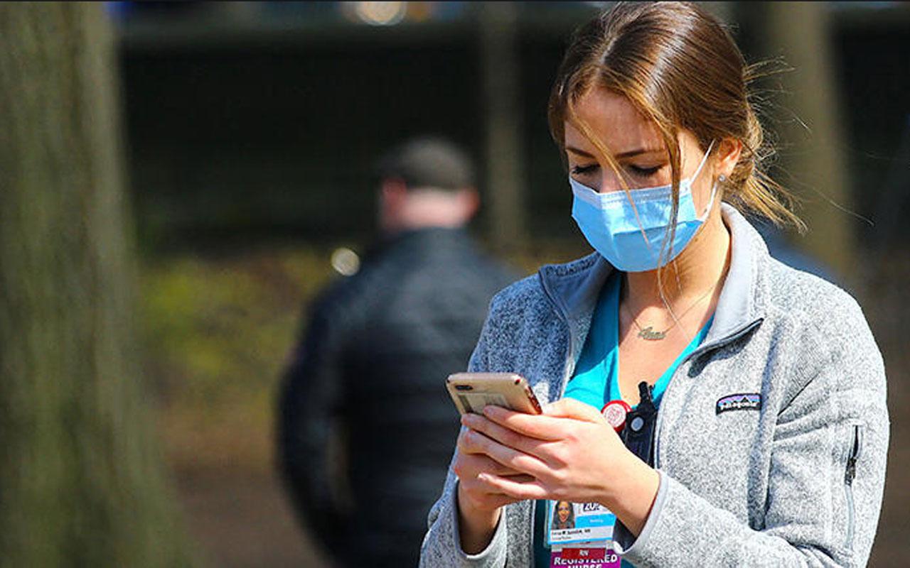 Uzmanlar ısrarla uyarıyor! Aşı olduk diye maskeleri indirmeyin