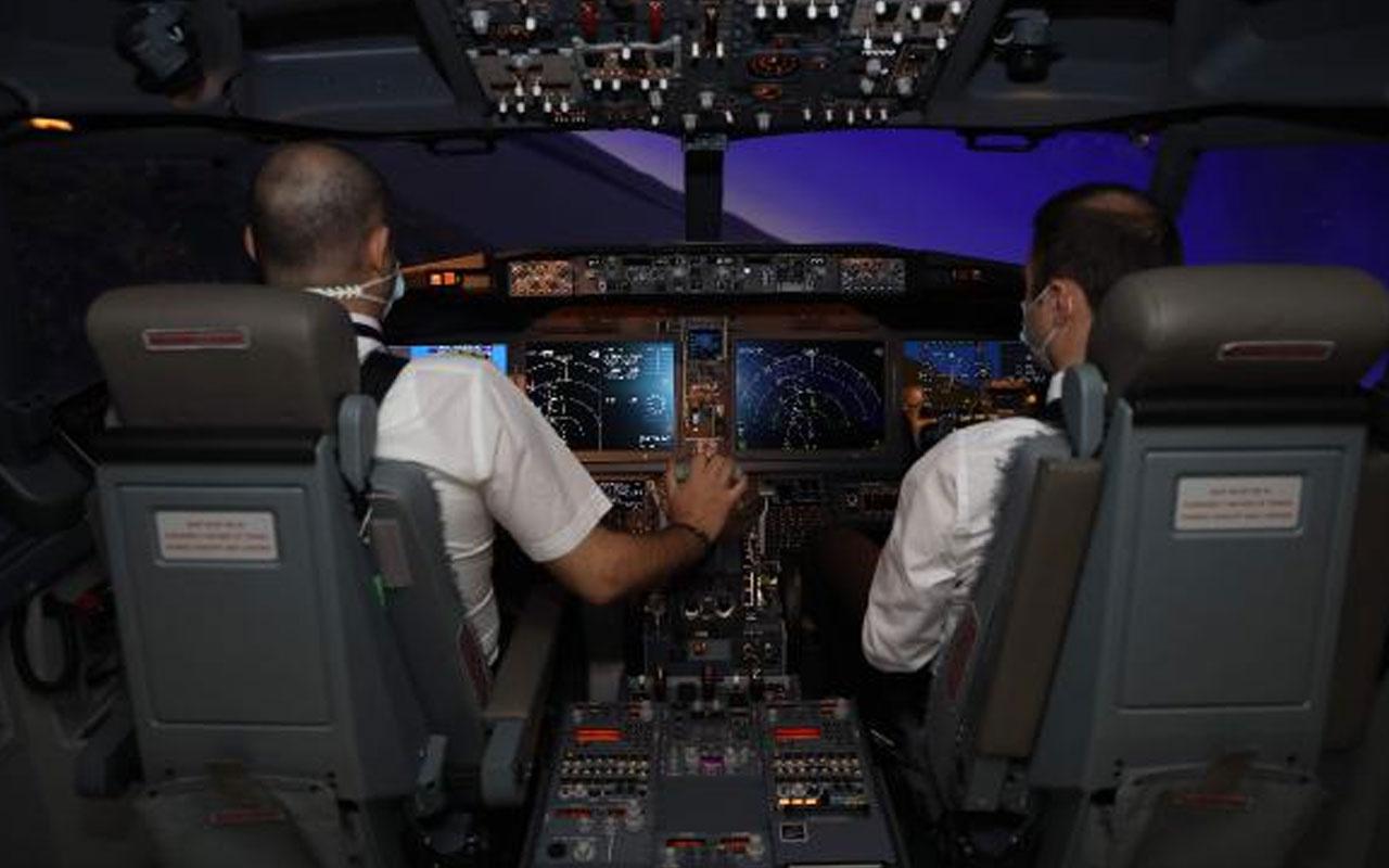 """2019'dan beri park halindeydi! THY'nin ilk """"737 Max"""" uçağı iki yıl aradan sonra yeniden havalandı"""