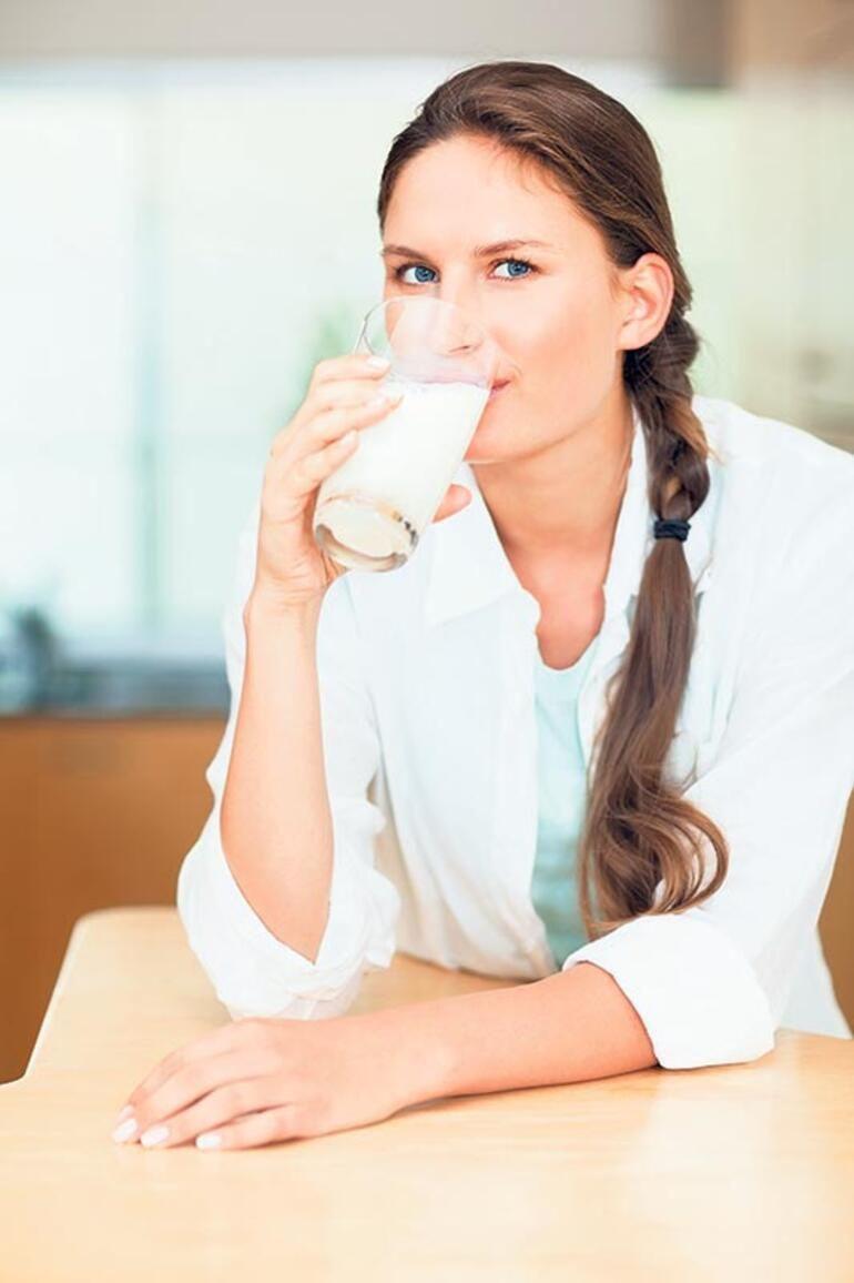 Sütün faydaları neler her gün bir bardak içerseniz...
