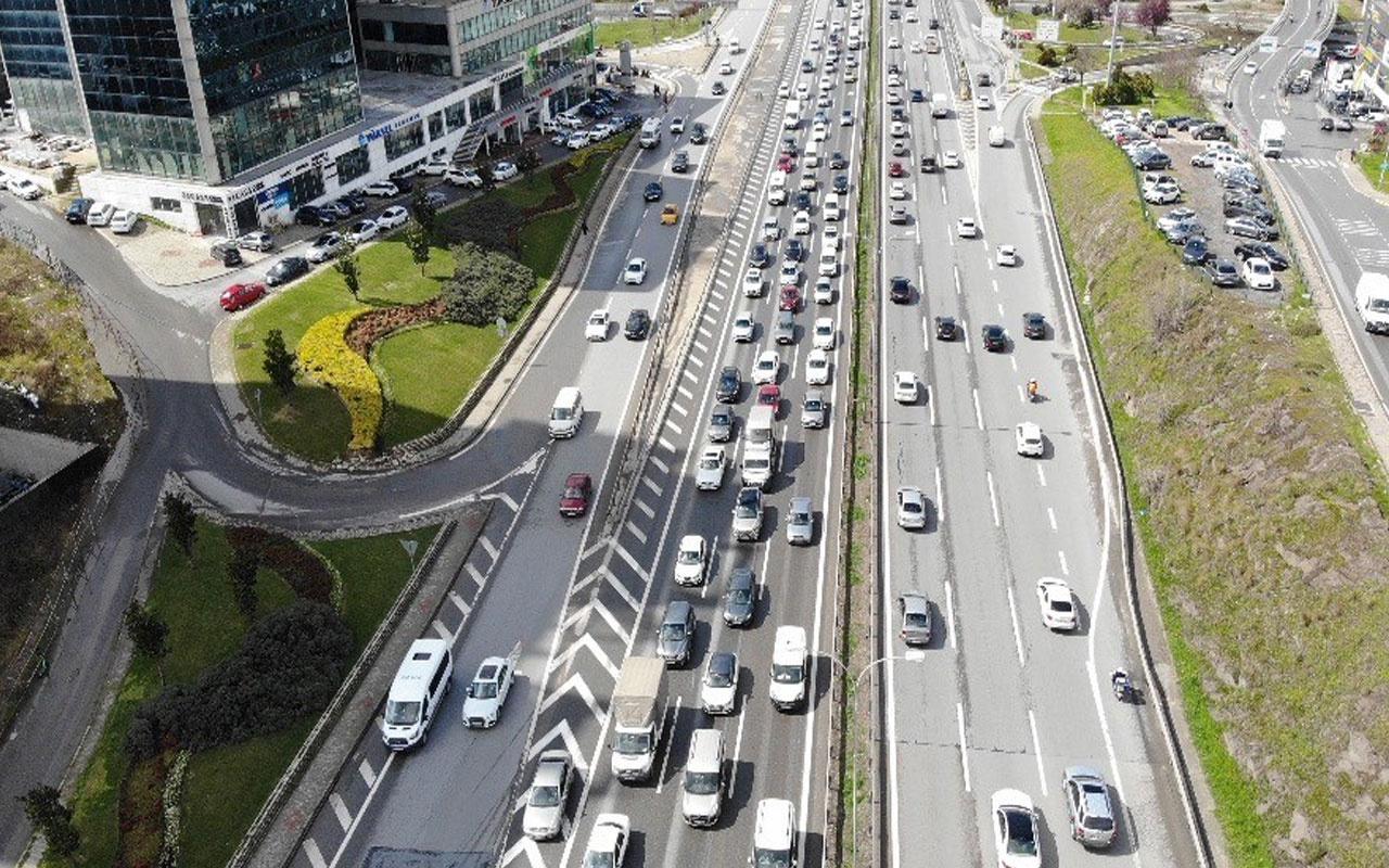 Kısıtlama öncesi İstanbul! Trafik yoğunluğu erkenden başladı