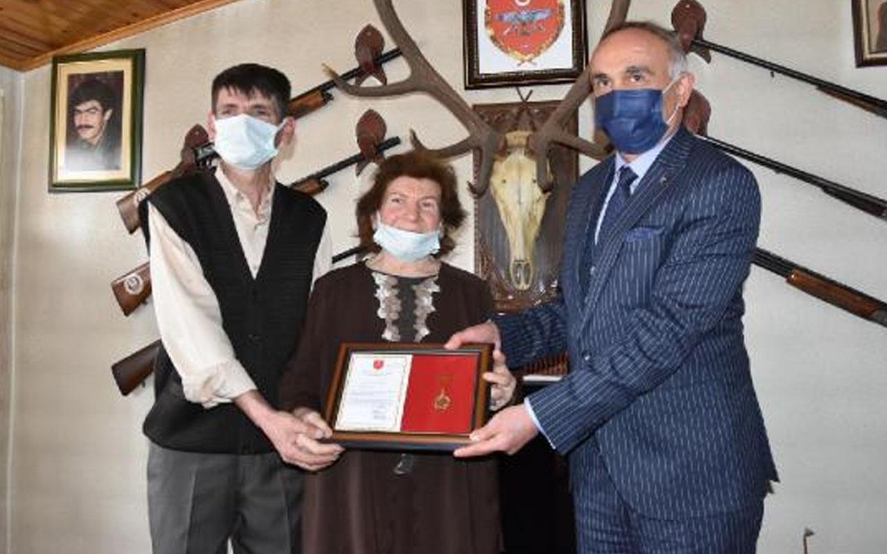 Eskişehir'de anne ve oğlundan TSK Güçlendirme Vakfı'na 1,5 milyon liralık bağış