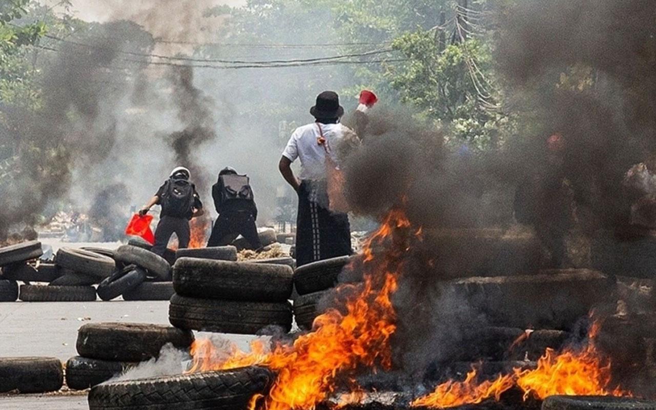 Myanmar ordusu protestoculara ateş açtı: 80 ölü
