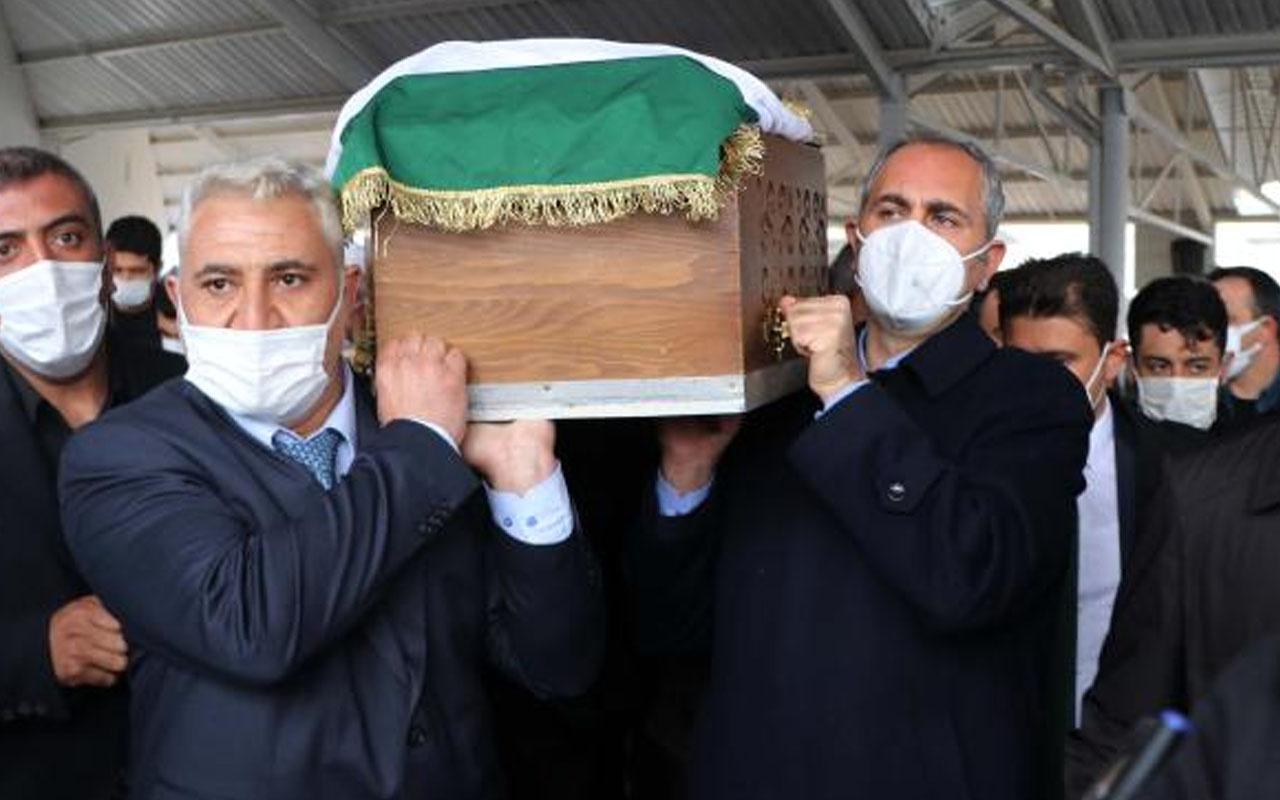 Adalet Bakanı Abdulhamit Gül'ün annesi son yolculuğuna uğurlandı
