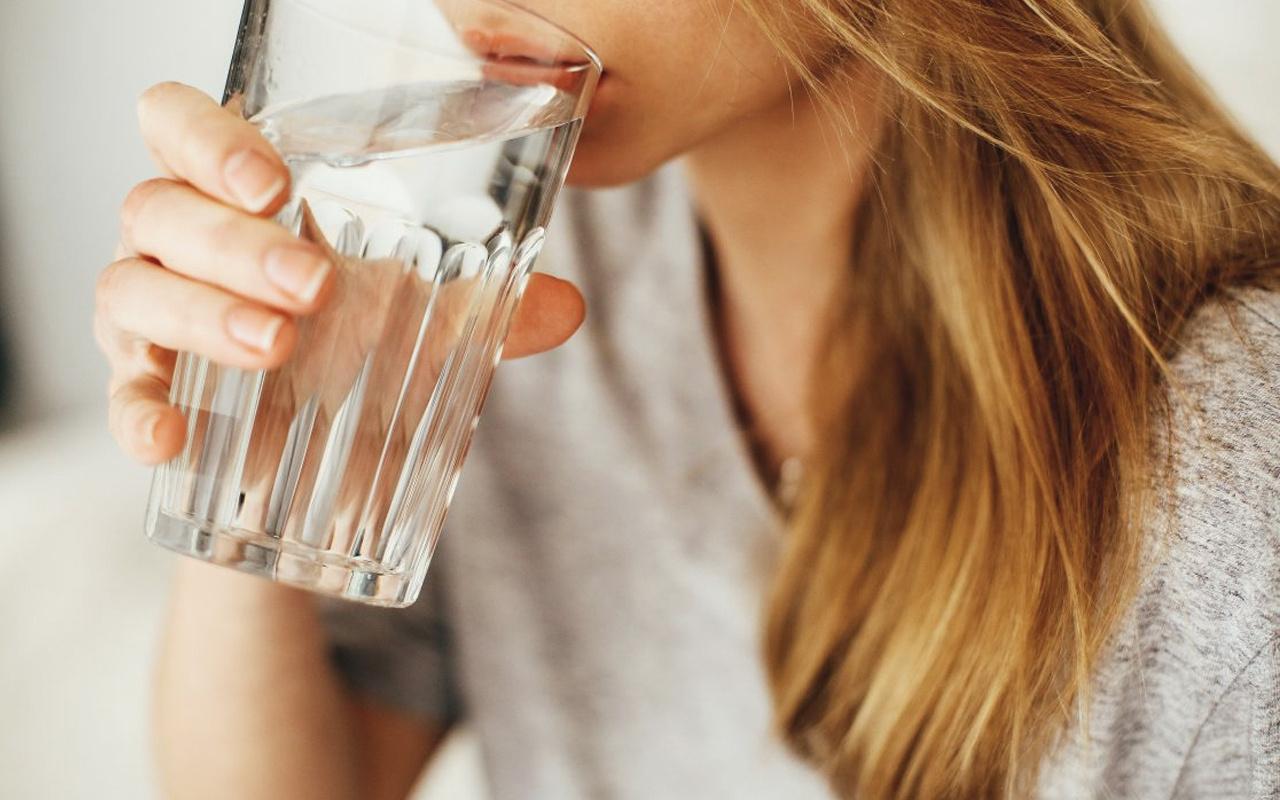 Sahurda ezan okunurken su içilir mi oruç bozulur mu Diyanet fetvası