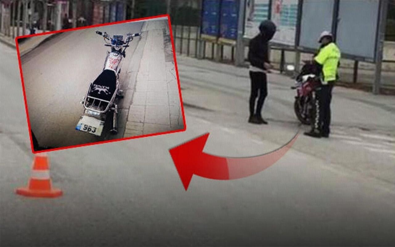 Çorum'da plakasını maskeyle kapatan motosikletliye para ve men cezası