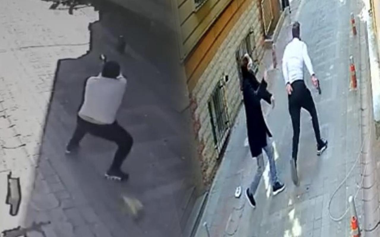 İstanbul'da sokakta silahla dehşet saçtı! Peşinden koştu kurşun yağdırdı