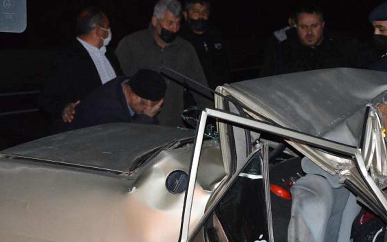Antalya'da otomobil kamyona arkadan çarptı: 2 ölü 2 ağır yaralı