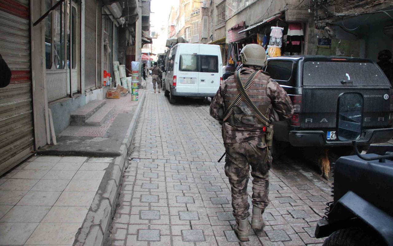 Diyarbakır'daki terör operasyonunda HDP'li vekilin danışmanı dahil 11 tutuklama