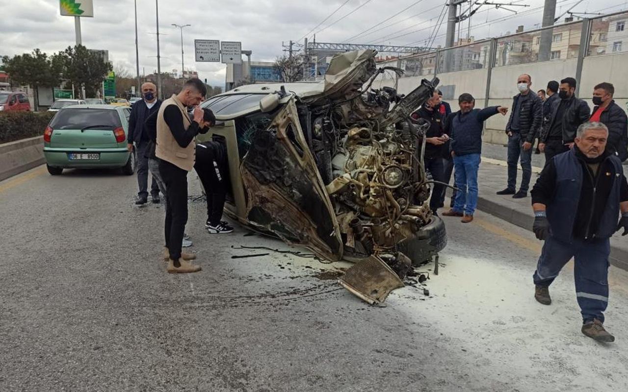 Ankara'da feci kaza! Otomobil direksiyon hakimiyetini kaybetti: Yaralılar var