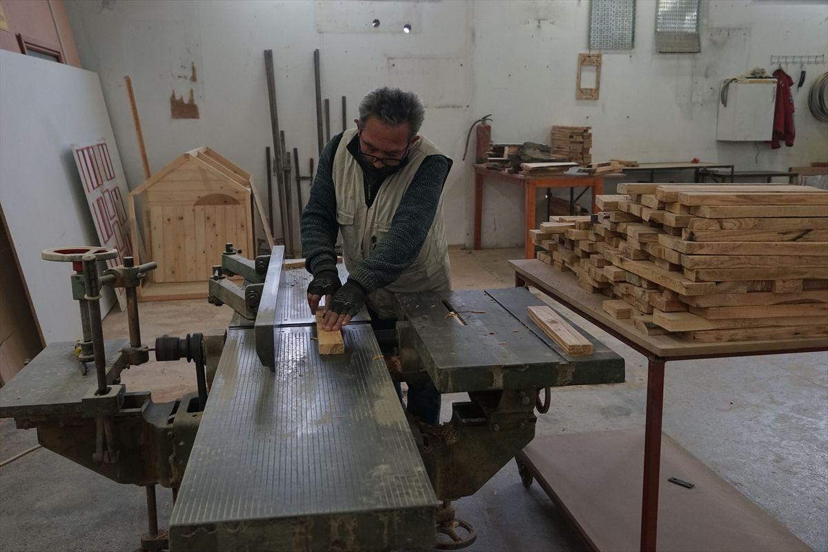 Edremit'te hobi olarak başladığı iş hayatını değiştirdi