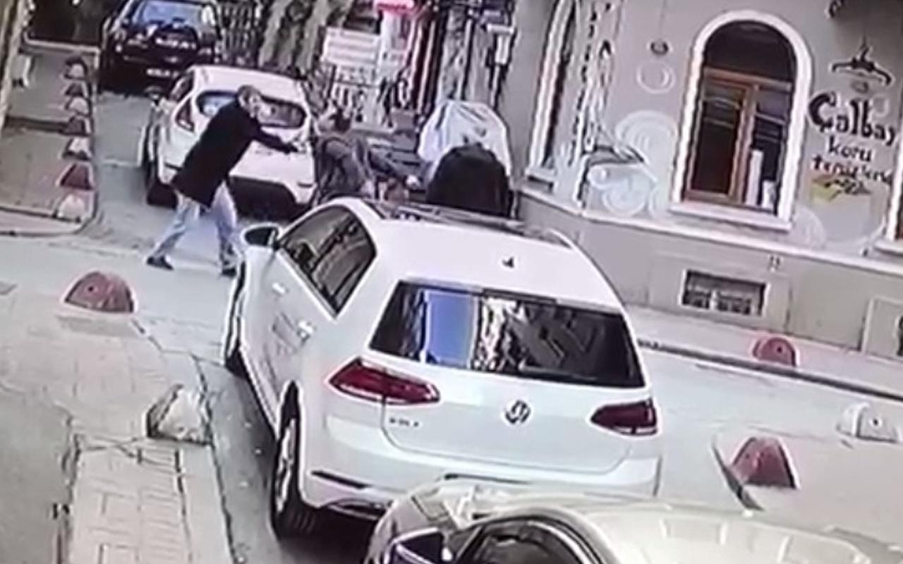 İstanbul'da sokak ortasında ardı ardına bıçakladı! Suç makinesi çıktı