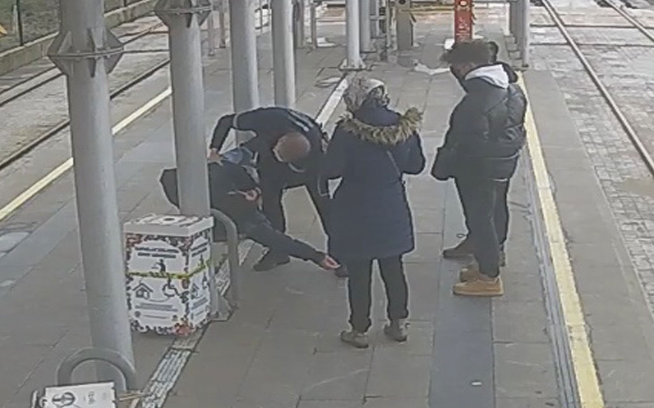 Samsun'da tramvay beklerken kalp krizi geçirdi! İmdadına güvenlik görevlisi koştu