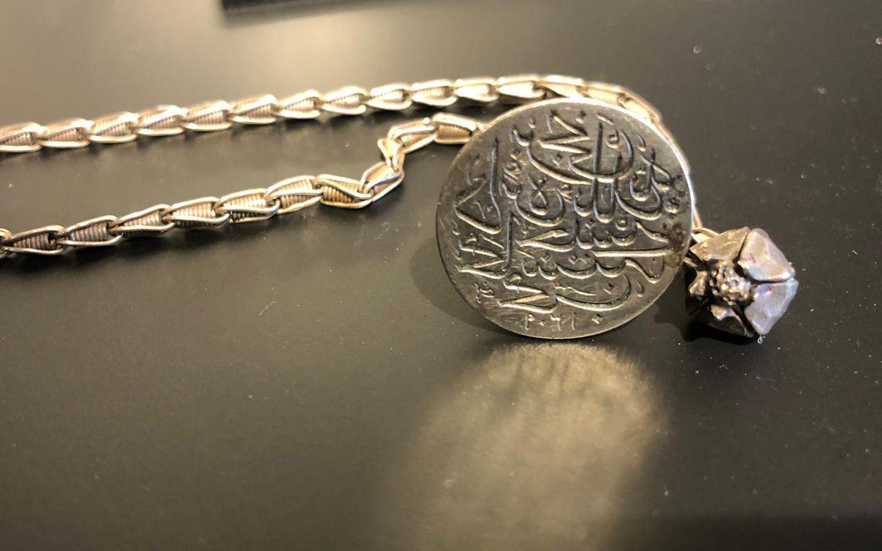 Atatürk'ün güderi ceketi açık artırmaya çıkıyor Osmanlı'ya ait mücevherler de öyle