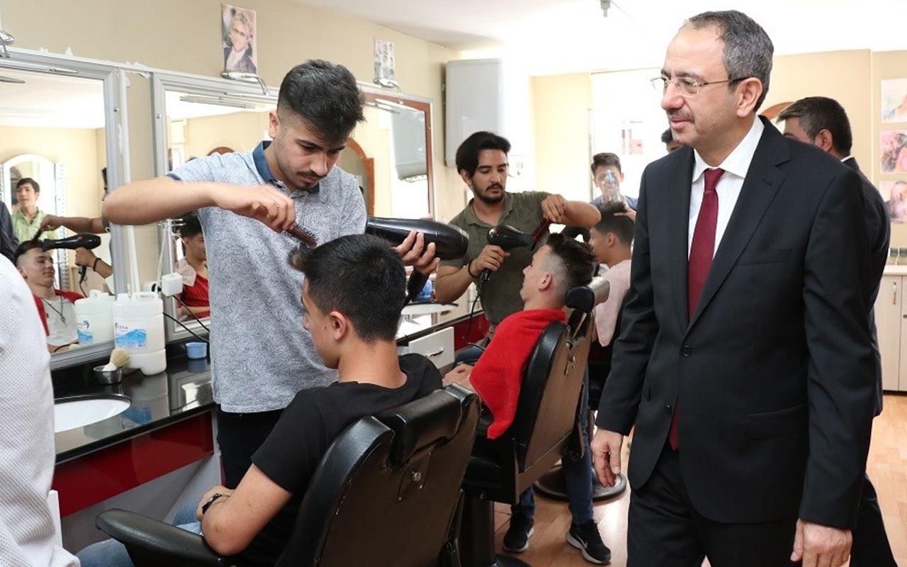 Sultanbeyli Kaymakamlığı'ndan Eğitime Ara Veren Gençlerin Eğitime Devamı ve İşe Yerleştirilmesi Projesi