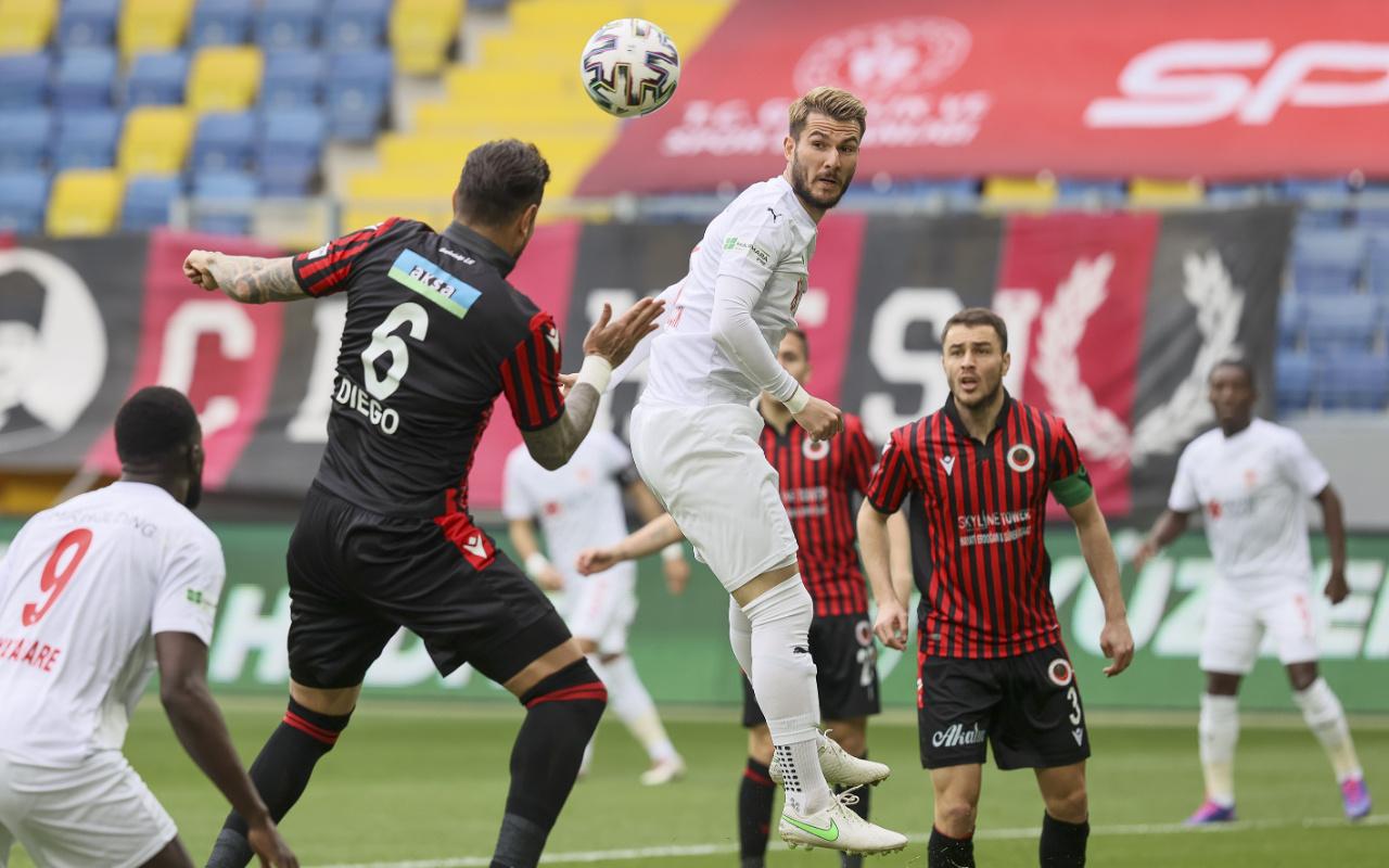Gençlerbirliği'ne konuk olan Sivasspor'dan müthiş geri dönüş