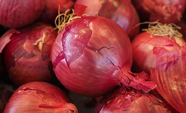 Koronavirüse 'kırmızı soğan' etkisi; virüsün akciğer tutulumunu engelliyor