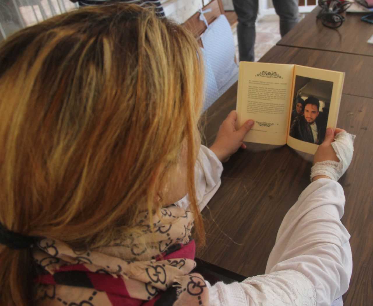 Öldüresiye dövüp mezarını kazdığı karısına 3 yıl önce aşk şiirleri kitabı yazmış!
