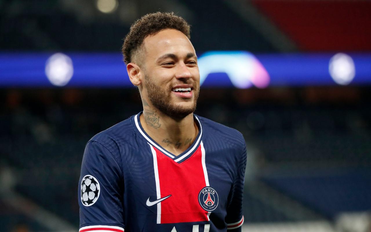 Neymar PSG ile sözleşme yeniledi! İşte kazanacağı çılgın rakam