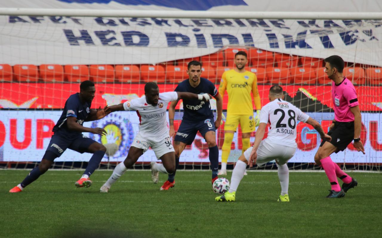 Gaziantep FK ve Kasımpaşa arasında gol düellosu