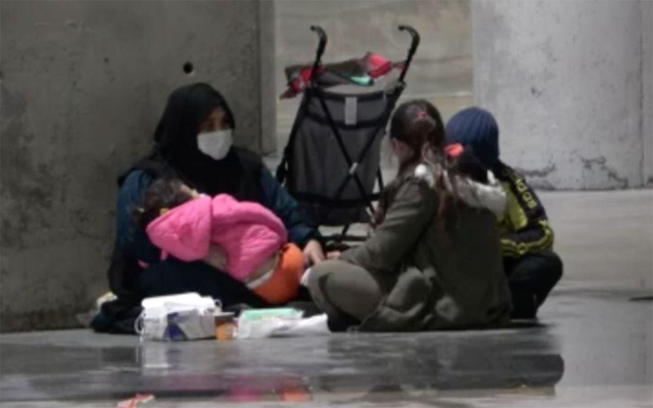 Taksim'de kameralara yakalandı! Hem kendi dileniyor hem de çocuklarını dilendiriyor