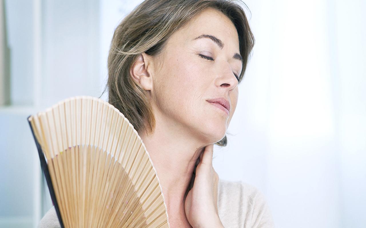 Menopoz nedir menopoz yaşı kaç belirtileri neler?