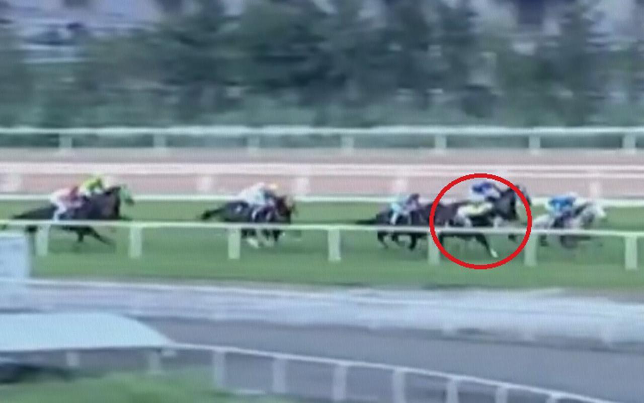 Adana'da yarış sırasında attan düşen jokey Samet Erkuş'un durumu ciddiyetini koruyor