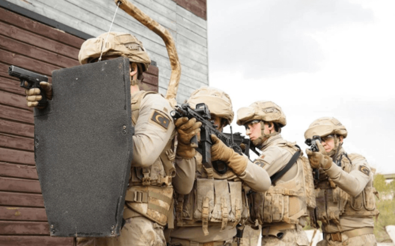 Savunma Sanayii Başkanlığı Jandarmaya müthiş kalkanı teslim etti