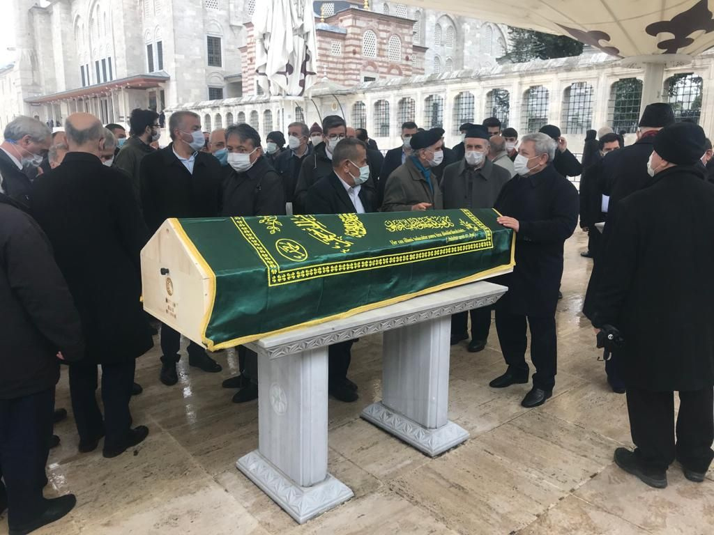 Prof. Dr. Ali Özek'e Fatih Camii'nde son görev! Ali Erbaş törende anısını anlattı