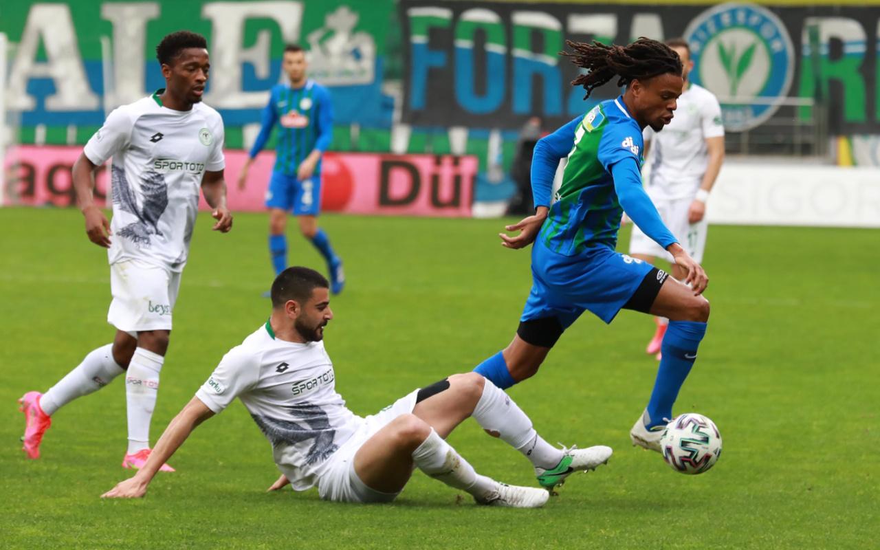 Çaykur Rizespor gol düellosunda Konyaspor'u yendi