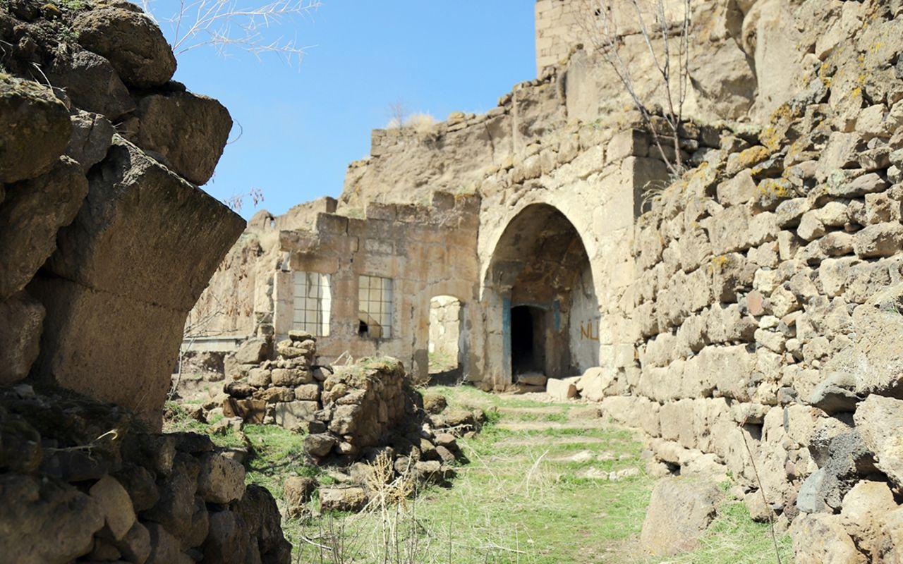 Manastır Vadisi'nde gizemli yer altı şehri! İçeride diğerlerinde olmayan bir şey var